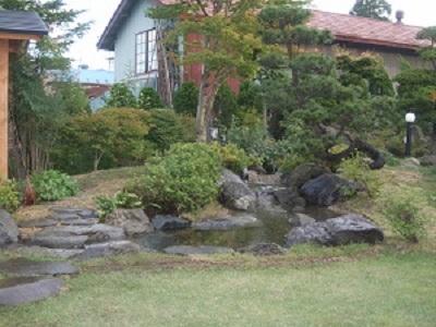 鯉の泳ぐ庭3