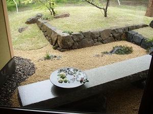 石積のある庭5