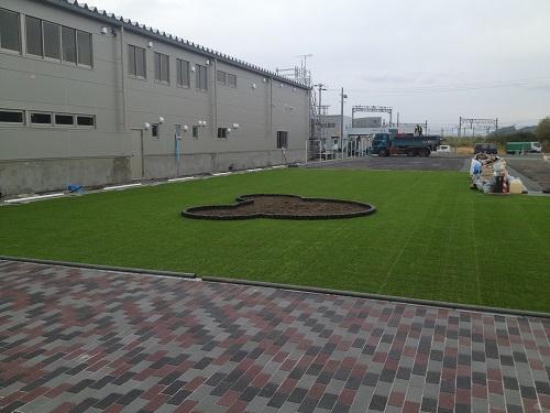 人工芝のある展示場4