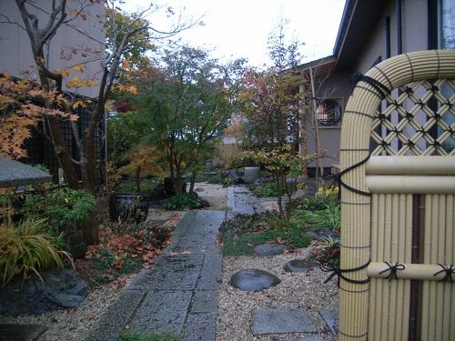 灯篭の立つ庭6