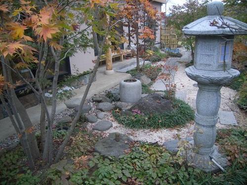 灯篭の立つ庭5