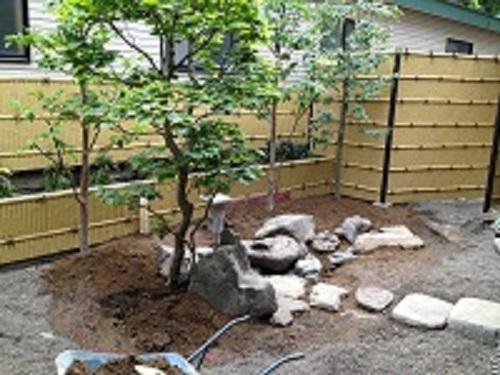 つくばいのある中庭4